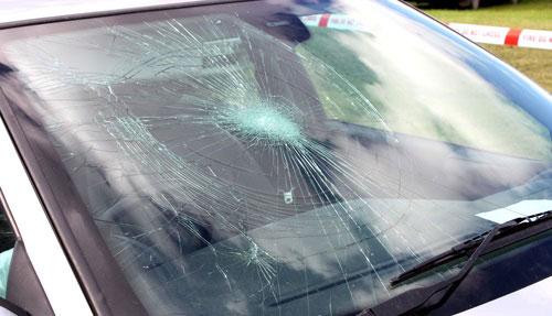 laminated glass in windowscreen car